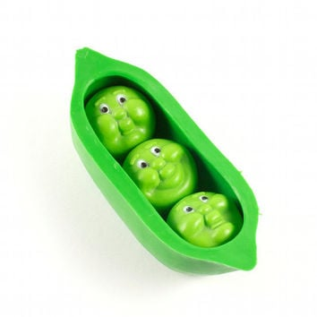Vintage 70s Magnet Peas in a Pod Kitschy Retro by TheBabyDynosaur