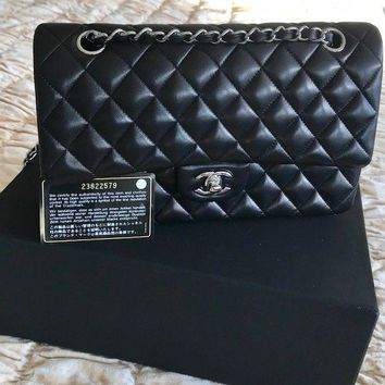 CLASSIC CHANEL QUILTED LAMBSKIN MEDIUM DOUBLE FLAP BAG