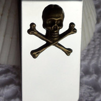 Skull and crossbones money clip, in silver with antique bronze skull and crossbones