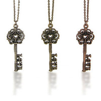 LAVISHY Boutique: Key necklace in Flare colletion