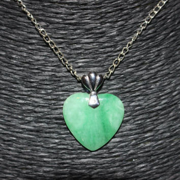 Green Heart Stone Pendant Necklace