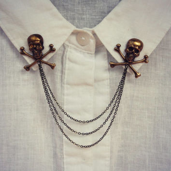 skull collar pins in antique brass, collar chain, collar brooch, lapel pin, skull pin, skull brooch