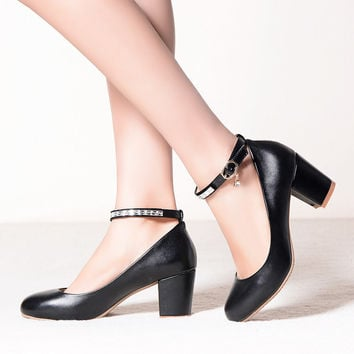 PU Middle Heel Round Toe Ankle Strap Pumps