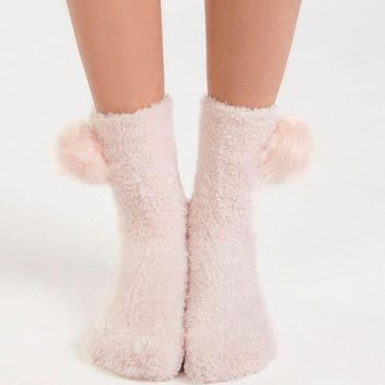 DCCKBA7 Oysho Cute Velvet Pom Warm floor socks