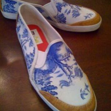 wonderful custom blue willow shoes