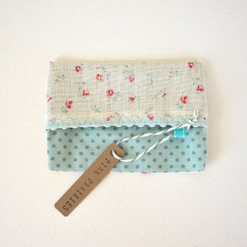 Travel Tissue Holder / Mint Floral Linen Fabric Pouch