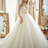 New Romantic Elegant V Neck Princess Ball Gown Wedding Dress 2016 Formal Embroidery Beading Pearls Vestidos De Novia Plus Size