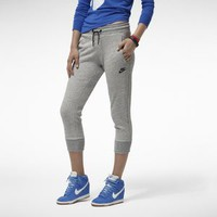 Nike Store. Nike District Women's Capris
