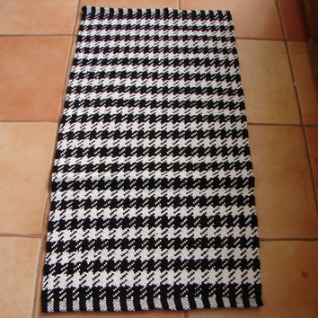 small black & white, Indian woven cotton rug, mat 38'' x 19'' bathroom, door mat, shabby chic