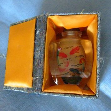 Interior Painted Snuff Bottle With Koi Fish In Original Box