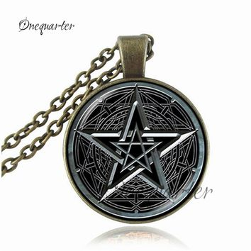Pentagram Pendant Necklace Vintage Pentacle Wiccan Choker Necklace Pentagram Jewelry Personality Glass Cabochon Occult Pendant