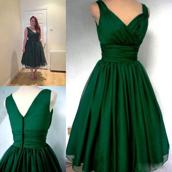 Elegant Emerald Green Cocktail Dress 2017 Vintage Tea Length Plus Size Chiffon Overlay Ruched Cocktail party Dress
