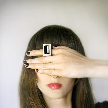 Gemstone geometric wooden Ring with Black Tourmaline, coctail statement ring, gemstone jewelry, black ang beige, geometric minimalist