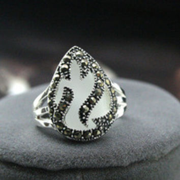 Free shipping >>>>>> RARE WHITE OPAL & MARCASITE .925 SILVER RING US Size 7.8.9.10