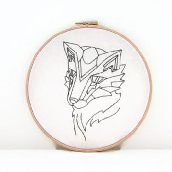 Fox embroidery wall hanging, hand embroidery Fox head embroidery hoop, 8 inch hoop, handmade in the UK