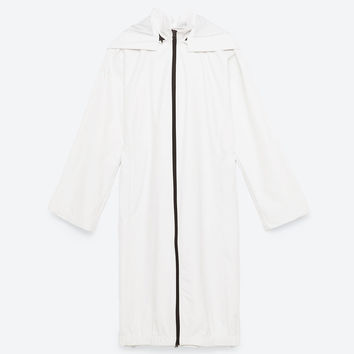 TECHNICAL ZIPPED RAINCOAT DETAILS