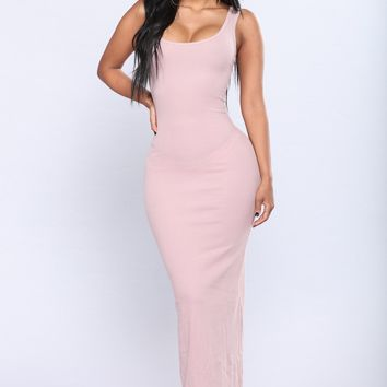 Mulberry Street Maxi Dress - Mauve