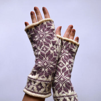 Nordic Fingerless Gloves - White and Rose Fingerless Gloves - Scandinavian Gloves with Stars - Knit Fingerless - Christmas Gift nO 122.