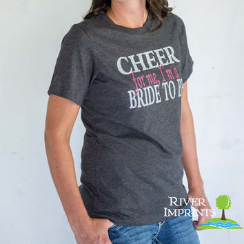 25% off BRIDE TO BE T-Shirt, Size Medium Missy Crewneck