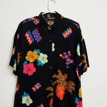 Vintage 80s/90s Tribal Aztec Colorful Art Deco Abstract Print Button Up Short Sleeve Shirt Unisex