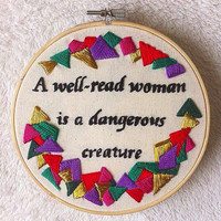 Lisa Kleypas book quote embroidery hoop art /A well-read woman embroidery art/A wallflower Christmas book quote stitching
