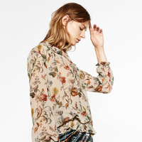 PRINTED BLOUSE DETAILS