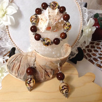 10#     Bracelet & Earrings In Chocolate Swirl With A Touch Of Pistachio