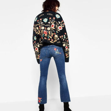 2017 Summer women jeans with embroidery flowers streetwear vintage slim flare pants female ankle le