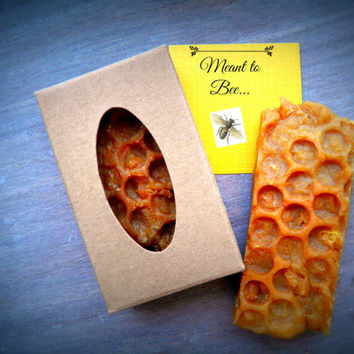 Honeycomb Bee Soap Favors Handmade All Natural Moisturizing Propolis Beeswax Beekeeper Gift Pollen Bees Honey Rustic Organic Wedding Party