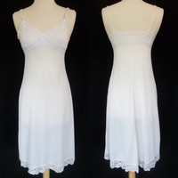 Vintage white nylon and lace slip night gown small medium