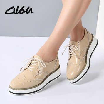 O16U Women Platform Oxfords Brogue Flats Shoes Patent Leather Lace Up Pointed Toe
