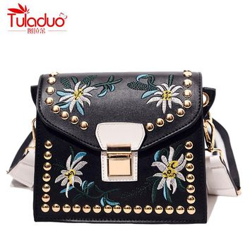 Spring Small Floral Women Crossbody Bags Embroidery Women Shoulder Bags High Quality Leather Ladies Messenger Bag Girl Flap Bags