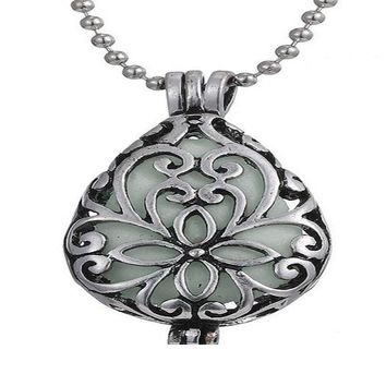 Pretty Magical Waterdrop Glowing In The Dark Pendant Necklace
