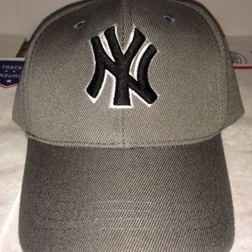 NY Logo New York Yankees vtg Strap back Baseball Cap Mets Jets Giants Knicks hat