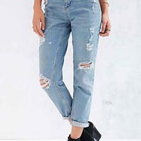 BDG Destroyed Mom Jean - Lauren- Vintage Denim Light