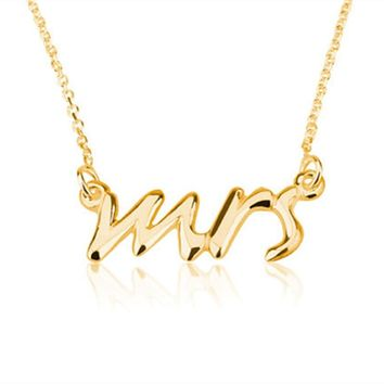 Fashion Dainty Mrs Necklace Tiny Love Alphabet Letter Necklaces Simple Word Initial Necklaces for Wedding Gift