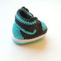 Crochet Jordan shoes, Crochet baby Nike booty, Baby boy Air Jordan sneakers, Baby croc