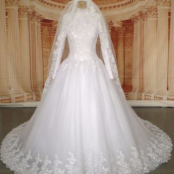 Real Pictures Long Sleeve Hijab Muslim Wedding Dress with Veil 2017 Long Train Arabic/Turkish Islamic Wedding Gowns Long Tail