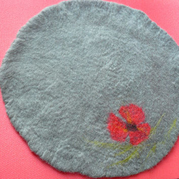 Felted Cat mat / Cat pad / Cat bed / Sleeping place / Dog bed / Cat Mat Poppy and GIFT