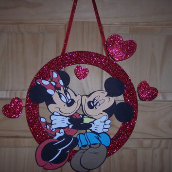 Mickey Mouse & Minnie Mouse in Love Wreath / Wall Hanging Art