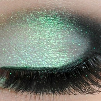 Iridescent Green Smoky Eye Long Lasting Eye Shadow by Mattify Cosmetics - Sparkly / Shimmery Pastel Green Pixie Eye Makeup