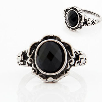 2015 Fashion Rings For Women In Party Women Ladies Fashion carved Vintage Imitate Black Onyx Ring Jewelry Free Shipping f