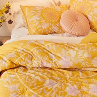 Iris Sketched Floral Comforter Snooze Set | Urban Outfitters