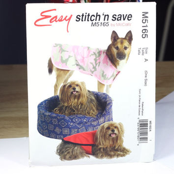 Dog Bed and Poncho Pattern / easy stitch 'n save / McCall's Sewing Pattern / Pet Bed / New in Package