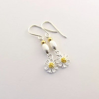 Earrings Sterling Silver Daisies With Gold Plated Pollen