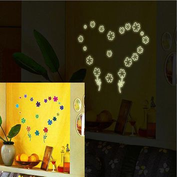 3d wall stickers Luminous Fluorescent Plastic Wall Stickers glow in the dark stars Home Decor Mural Decal #303
