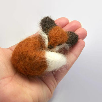 Needle Felted Sleeping Red Fox - Small Needle Felt Animal - Wool Needlefelt Woodland Creature Sculpture