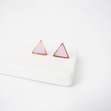 Pastel  pink triangle stud earrings. Simple posts. Geometric studs. Everyday post earrings. polymer clay