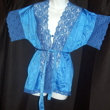 Price Reduced / Vintage 1970s Short Robe /  Lady Cameo of Dallas  /  Lots of Lace  / Size M to L Royal Blue