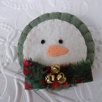 Felt Snowman Brooch Bells Christmas Scarf Pin Primitive Wool